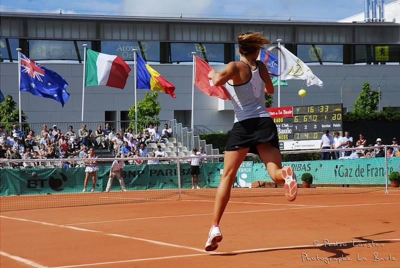 coup droit en final du Derby tennis à La Baule-photographe-la-baule-nantes-pedro-loustau