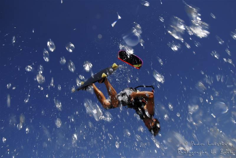 kitesurf photographié au caisson étanche-photographe-la-baule-nantes-pedro-loustau