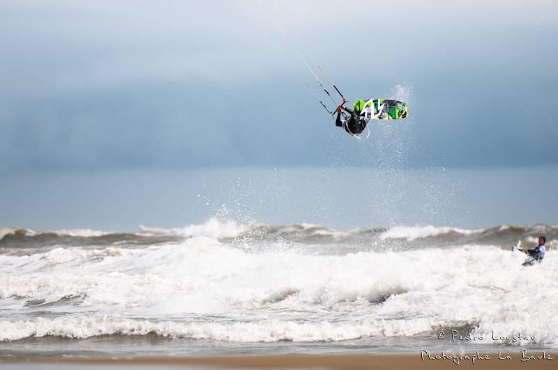rider dans les air-photographe la baule- photographe nantes- Leucate-mondial du vent-kitesurf
