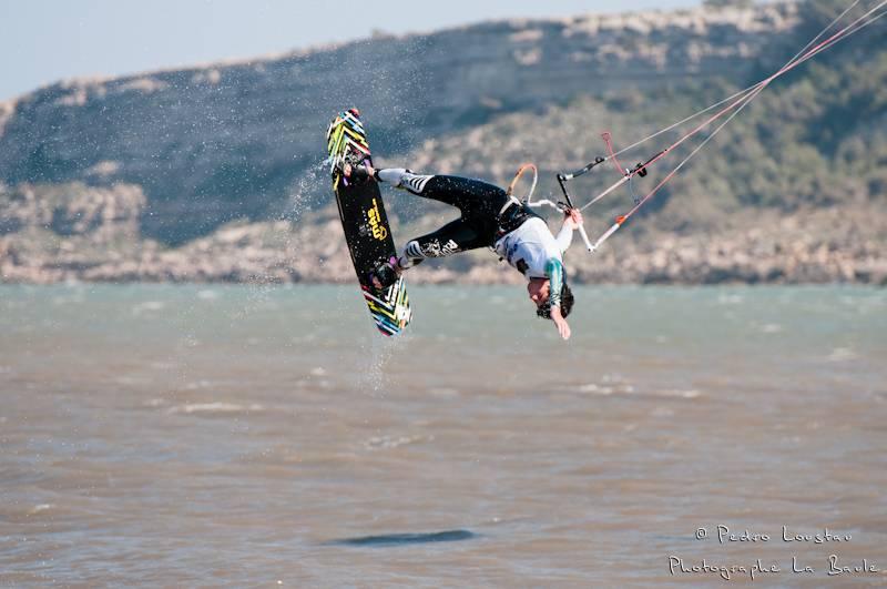 pastor a tout donnéyouri qui sort de l'eaurasta rideur-photographe la baule- photographe nantes- Leucate-mondial du vent-kitesurf