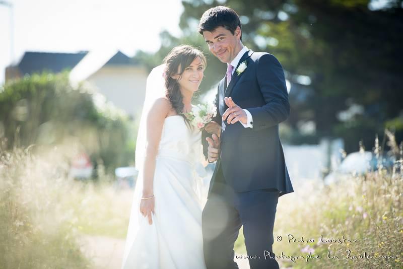 ça rigole avec les mariés pendant la séance photo :) -©pedro loustau 2012- photographe la baule nantes guérande -mariage-