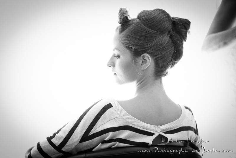mariée à contre jour chez le coiffeur -©pedro loustau 2012- photographe la baule nantes guérande -mariage-