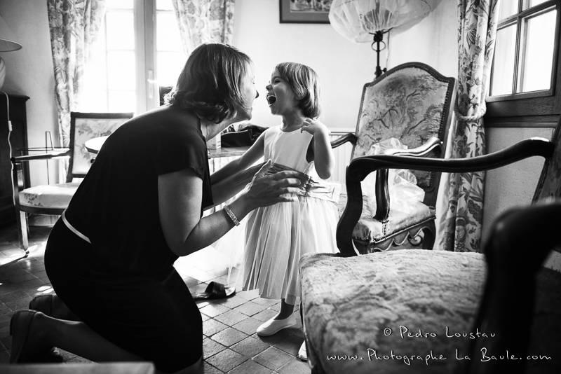 complicité mère-fille -©pedro loustau 2012- photographe la baule nantes guérande -mariage-