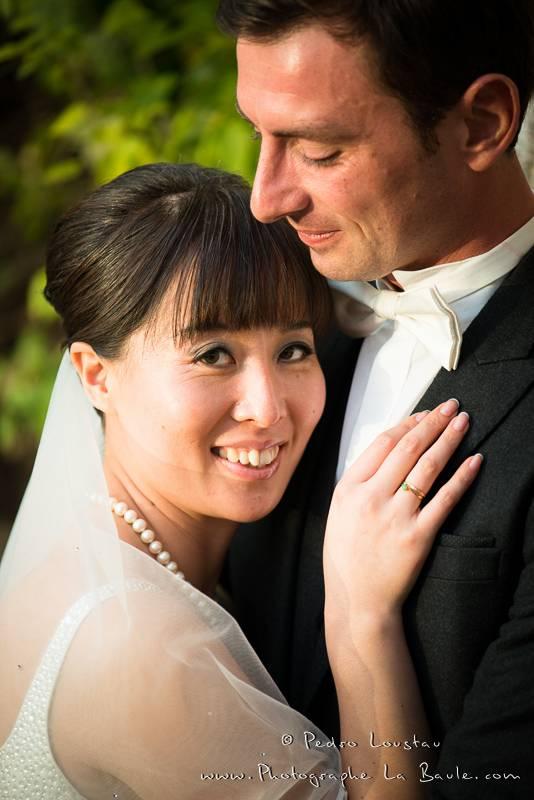 complicité pendant la séance photo -©pedro loustau 2012- photographe la baule nantes guérande -mariage-