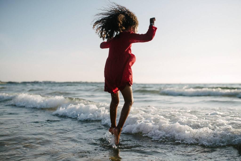saut au dessus des vagues - photographe la baule