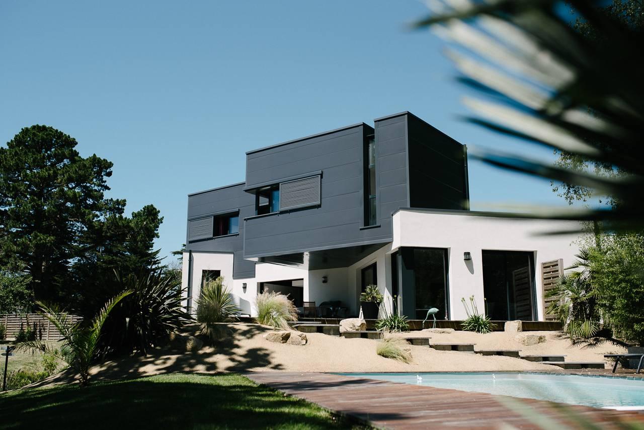 photographie immobilière de la façade d'une magnifique villa - photographe la baule
