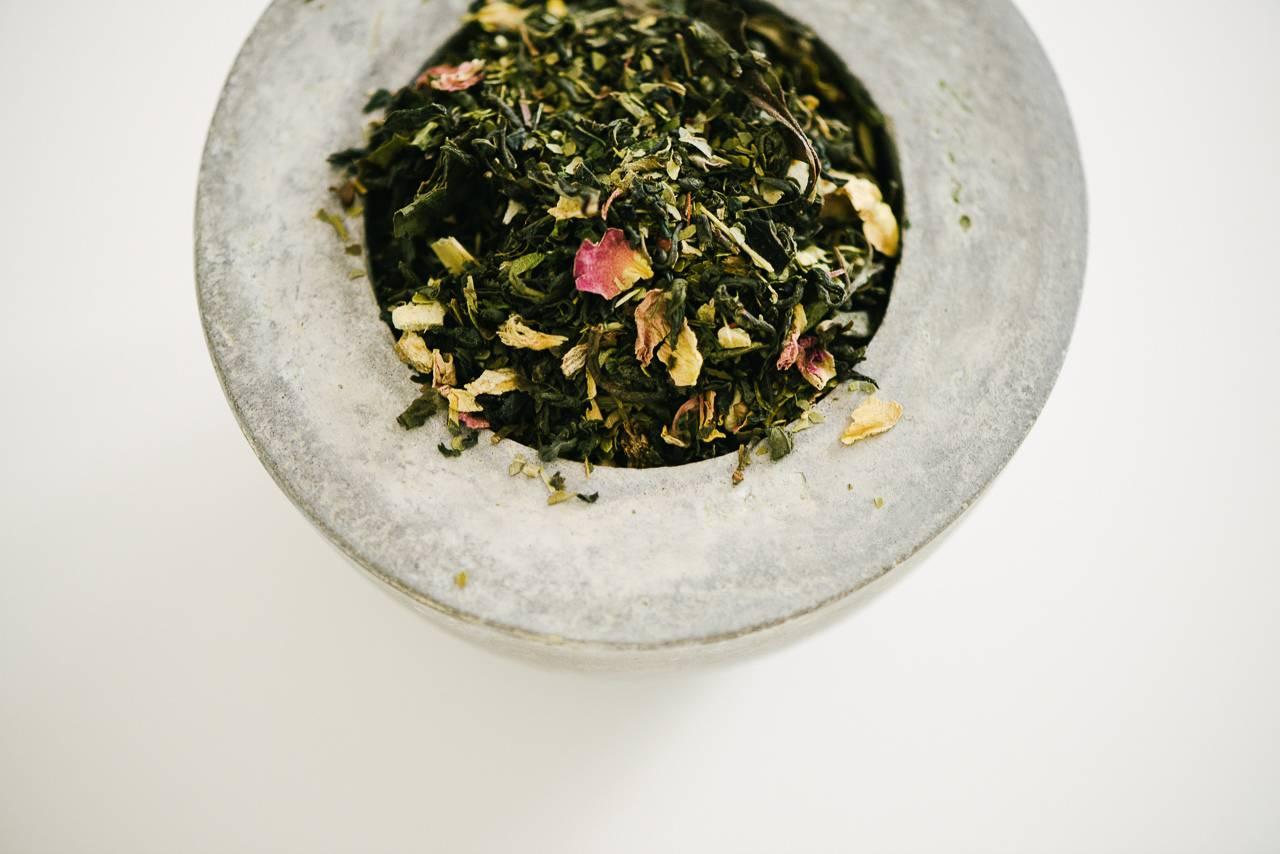 photo produit réalisée pour la marque de thé Floréal - photographe la baule